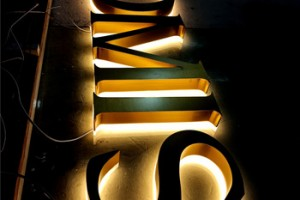 Custom Made Led Outdoor Gold Halo Lighted Backlit Sign Letters for Advertising